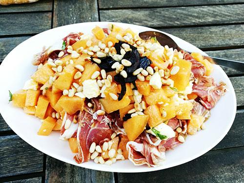 Salade de melon au jambon de Parme et à la mozzarella notrebonnefranquette